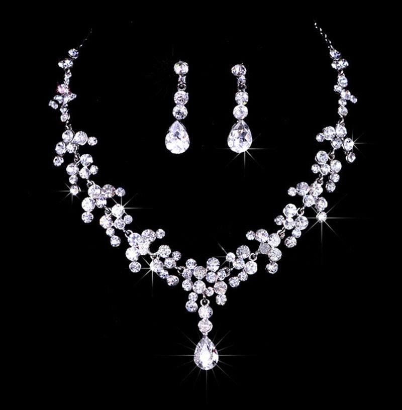 Luxusní sada náhrdelníku a náušnic - design 1